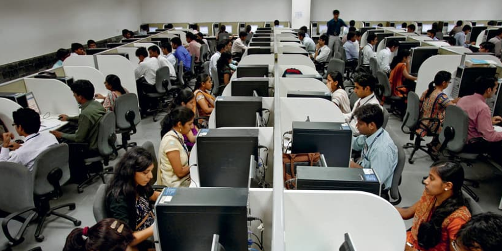 outsourcing pros and cons - india call center