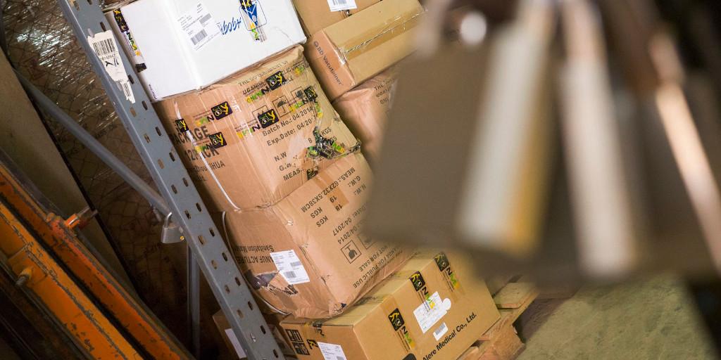 Online marketplace boxes